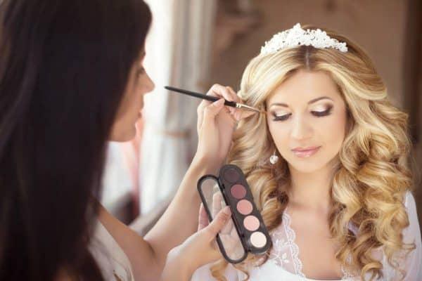 media-trois-conseils-pour-reussir-son-maquillage-de-mariee.jpg